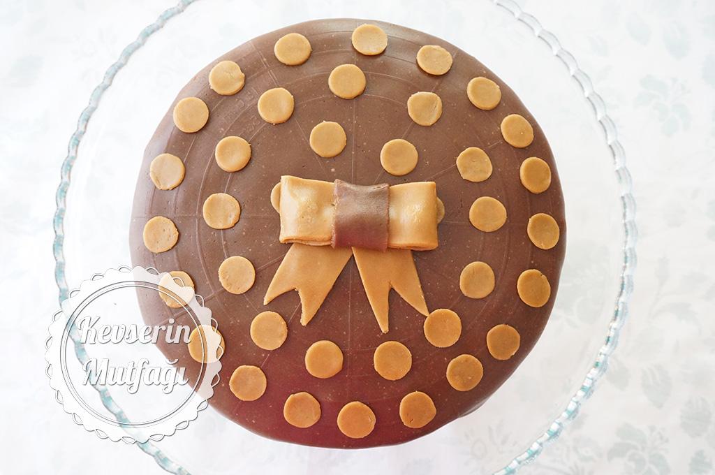 Bisküviden Şeker Hamuru Yapımı