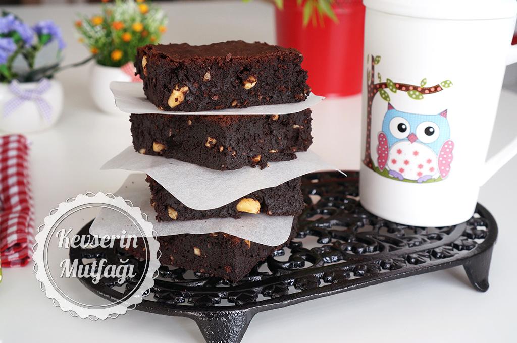 Fındıklı Browni Kek Tarifi Fındıklı Brownie Tarifi